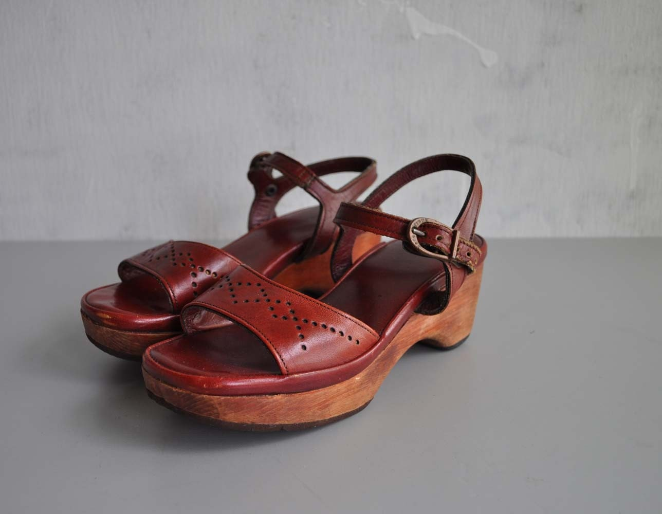 Vintage 70s PLATFORM Wood and Leather Sandals by MariesVintage