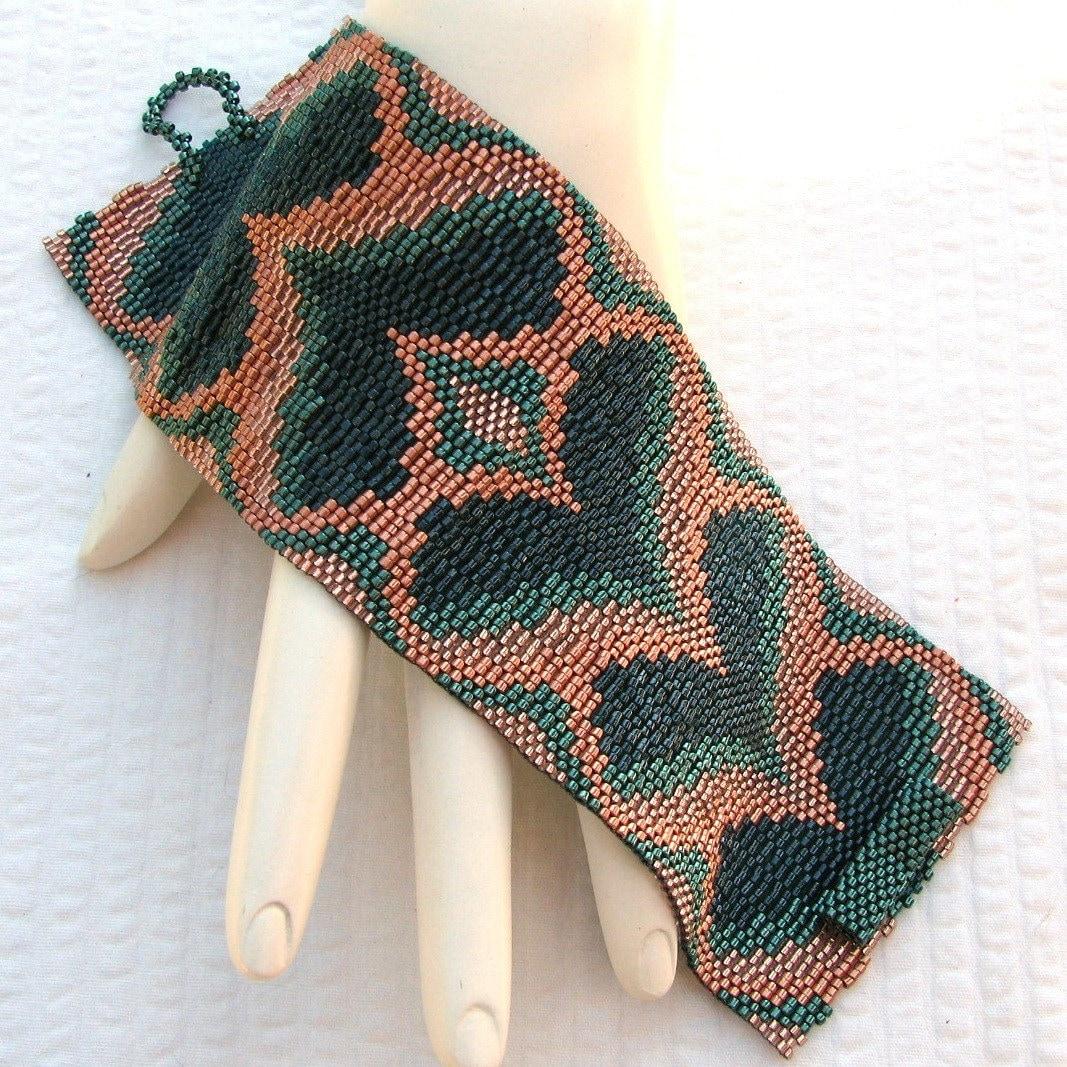 Green Bargello Hearts Peyote Cuff (2289)