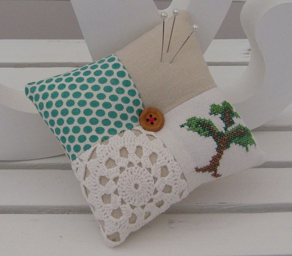 Patchwork Doily Pincushion (73)