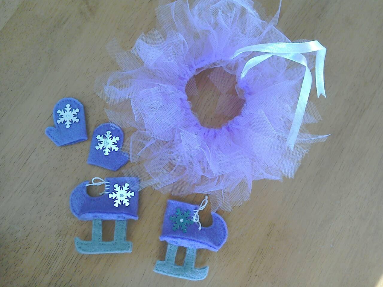 Felt elf ice figure skating set in lilac