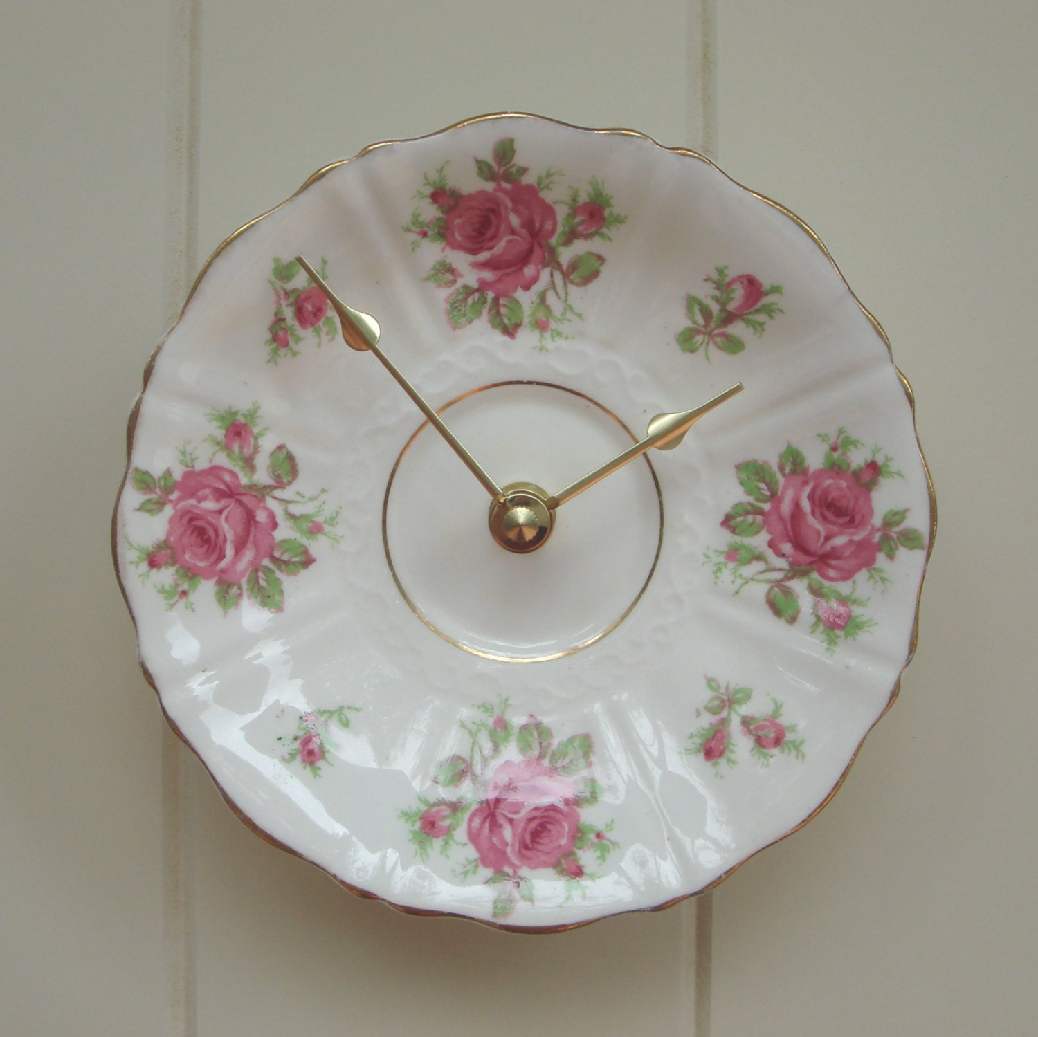 Vintage briar rose 1960's china clock, FREE DELIVERY to Australia and New Zealand, upcycled recycled repurposed in Western Australia