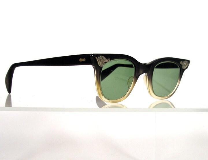 Vintage 1950s AMERICAN OPTICAL Black Fade Eyeglass Frames
