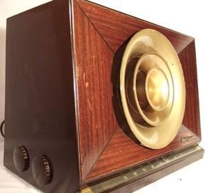 RCA Victor 9-X-571 Vintage Art Deco Tube Radio