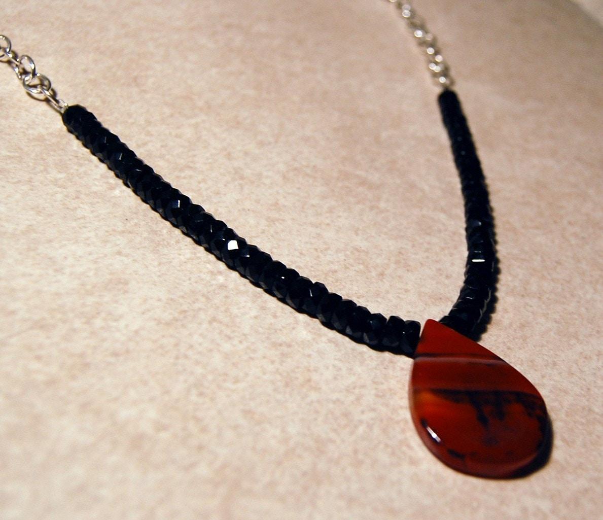 Agate Drop Pendant Necklace