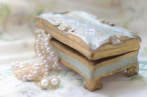 Florentine Italian Jewelry box with Pearls  soft greens ,white & gold  Italian, Home Decor - PhotographybyMaryM
