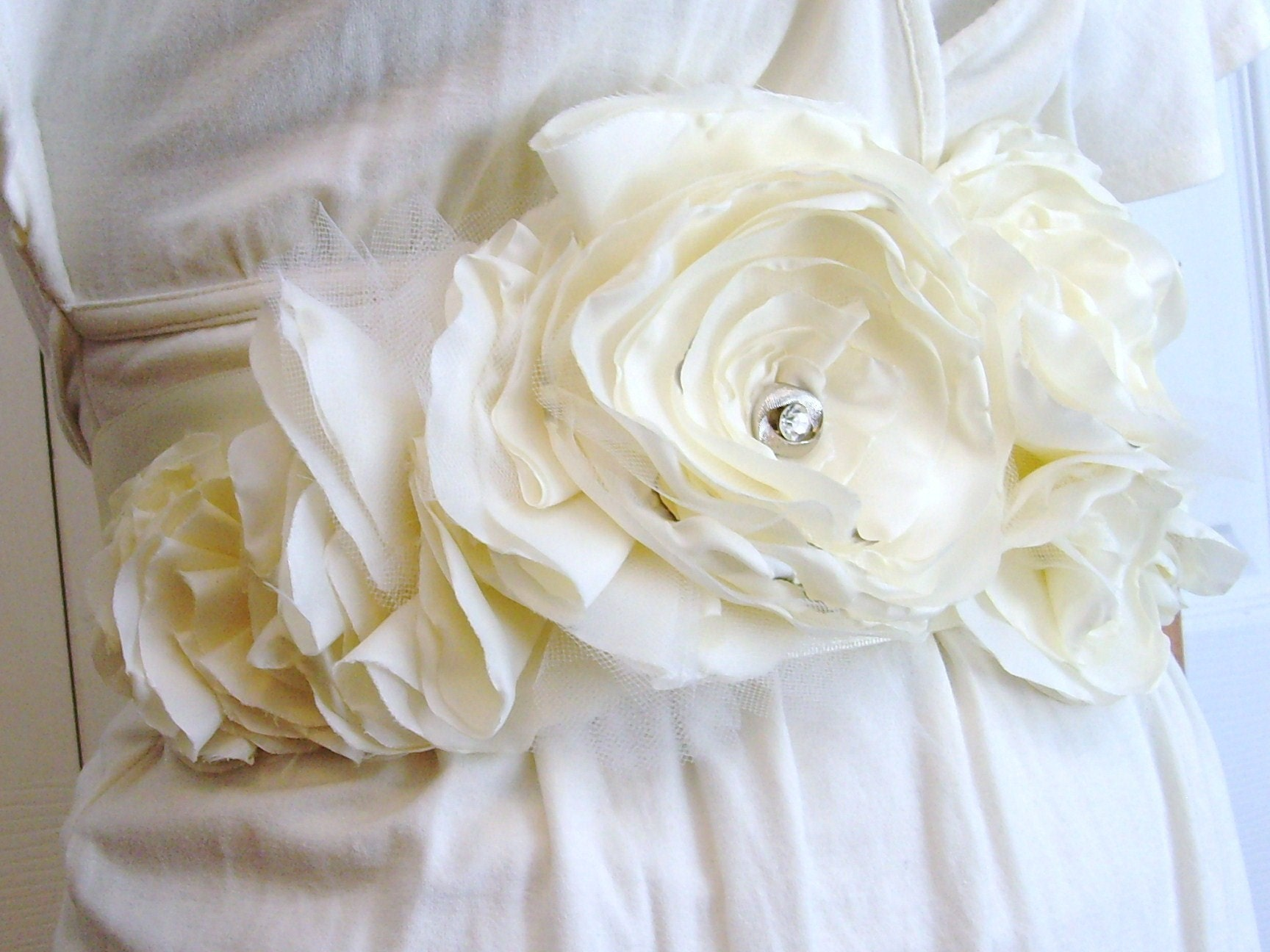White belt made from peonies, via Etsy: fatalefemme