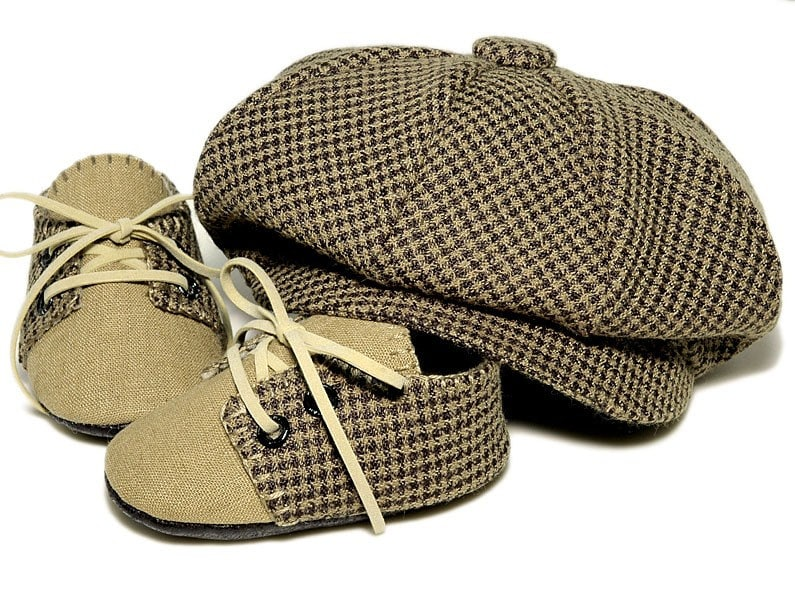 Pink2Blue's Lucas in Houndstooth Baby Shoe and Cap Set.