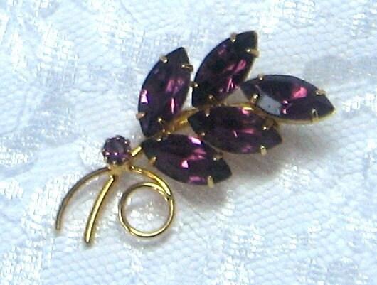 Vintage Brooch Pin Rhinestone Purple - Vintage55