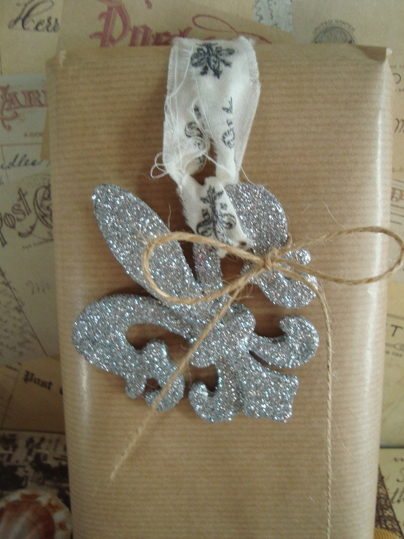 Ooh Lala Silver Glitter Fleur De Lis French Lily Stamped Muslin and Jute Ribbon Ornament