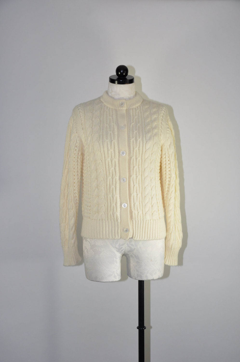 70s cream cable knit cardigan / vintage chunky fisherman sweater / Diamond Stitch cardigan - QuietUnrest