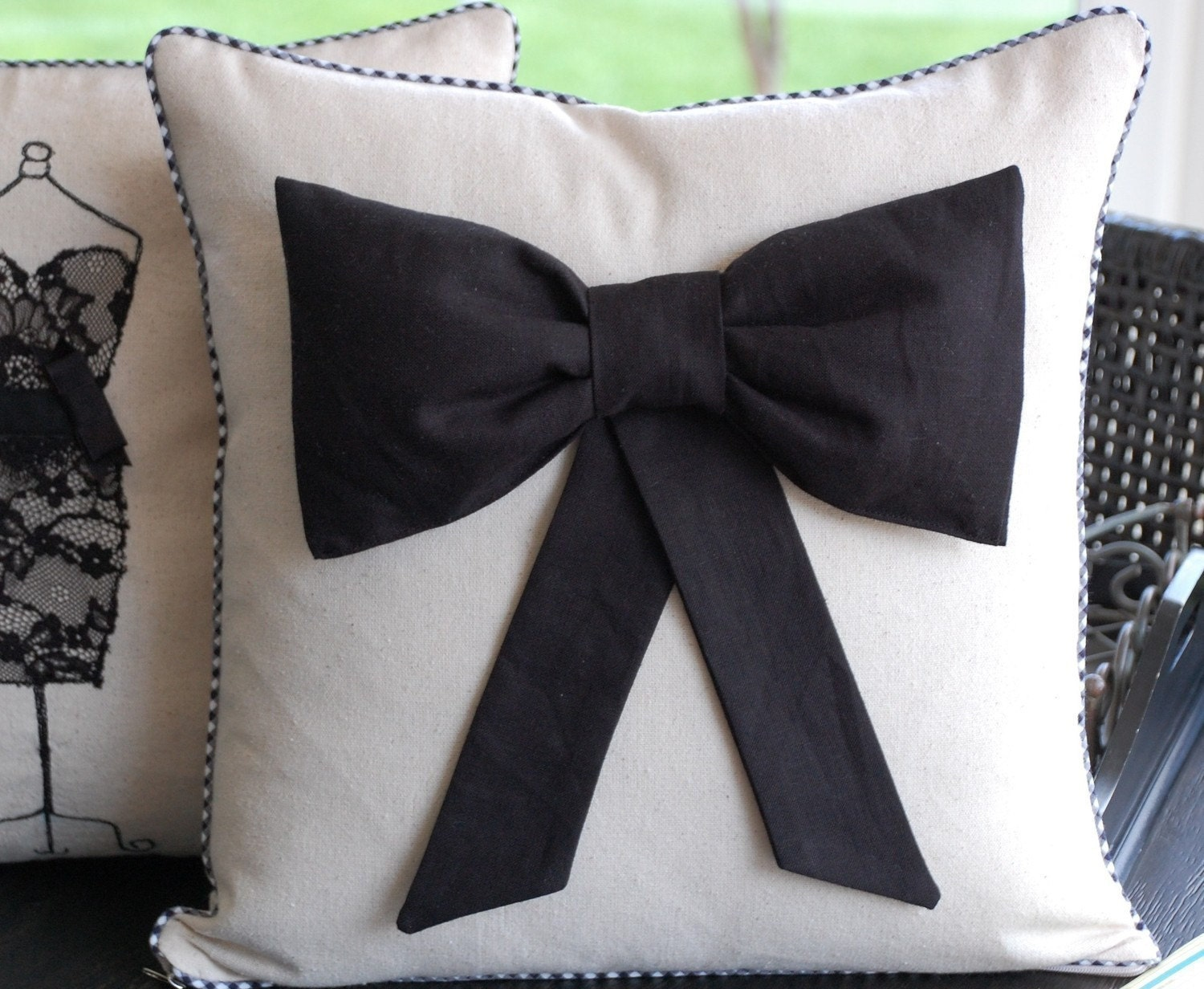 Black bow pillow cover