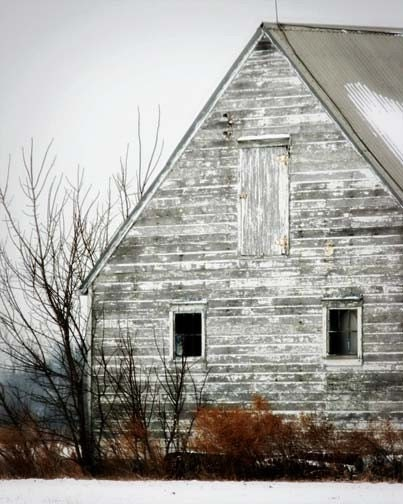 white barn photograph
