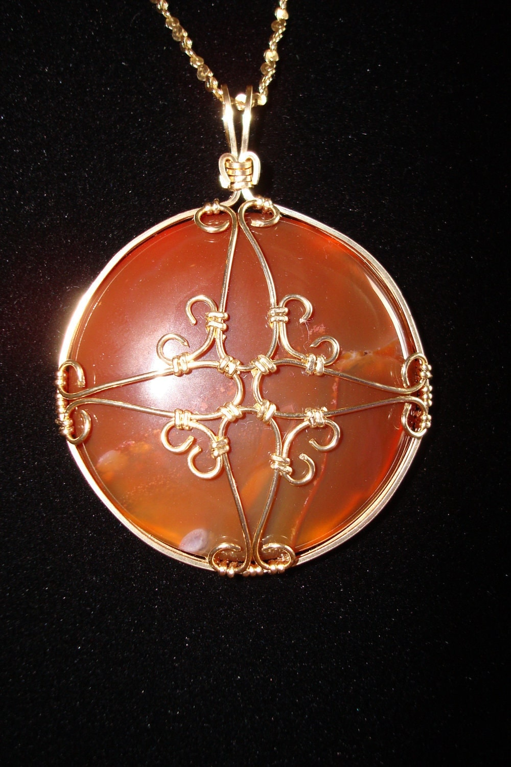 Carnelian and Gold Filigree Pendant
