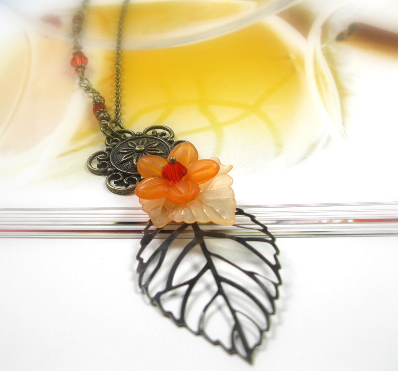 Apricot Orange Autumn Leaf Vintage Style Necklace