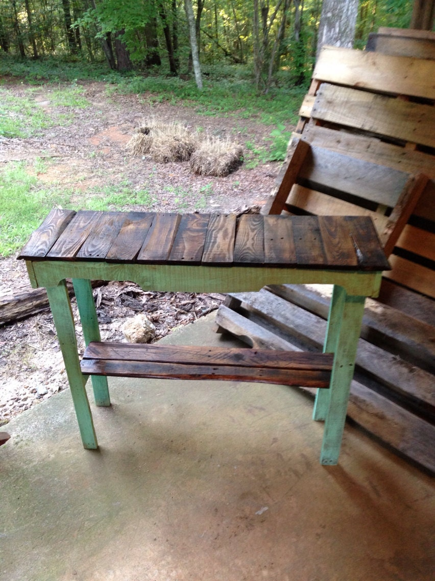 Custom Pallet Foyer / Sofa Table - RustyPerkWoodnStuff