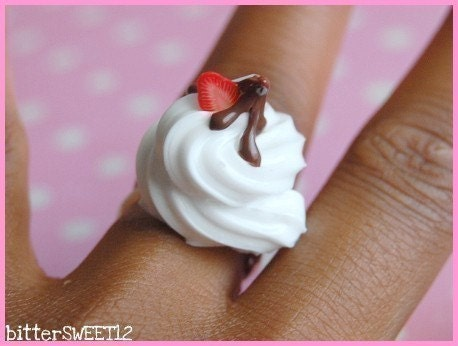 Chocolate Drizzled Cream Ring