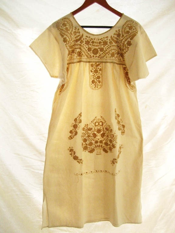 Mexican embroidered dress Old gold up to L unique lovely cute lounge summer or party dress