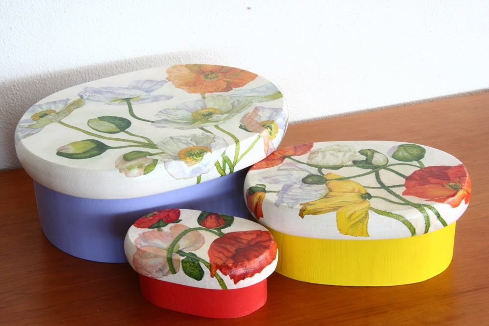 Set of three flowery boxes