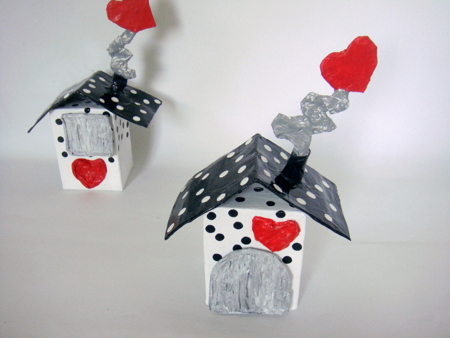free shipping, papier mache money box, the love house, new home, wedding gift, red hearts, black, white, polka dots, piggy bank,  valentine - papiera