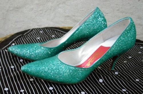 vintage 50s 60s Schiaparelli Green Glitter Heels 7