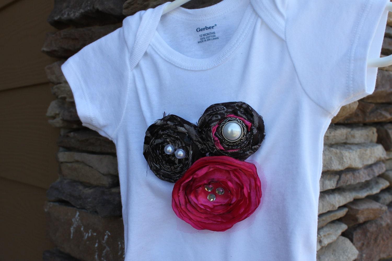старинные розы кластера onesie
