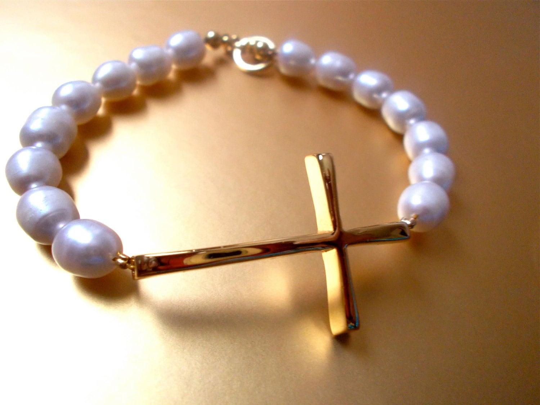 Cross Bracelet, Freshwater pearl bracelet, 14k gold vermeil, Gift for mom, Gift for her