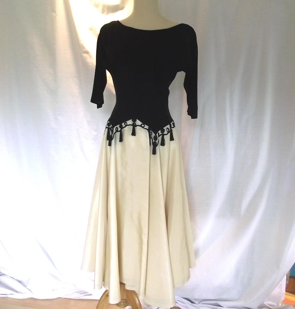 Vintage 50s Cocktail Dress. Bombshell Dress w Circle Skirt. Sz M