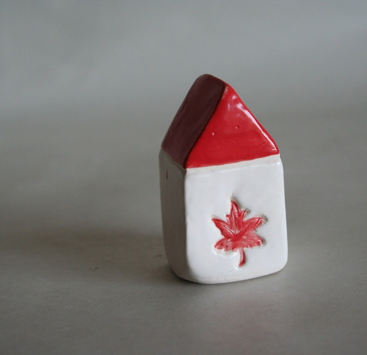 MADE TO ORDER Canada House - Maple Leaf - Red White
