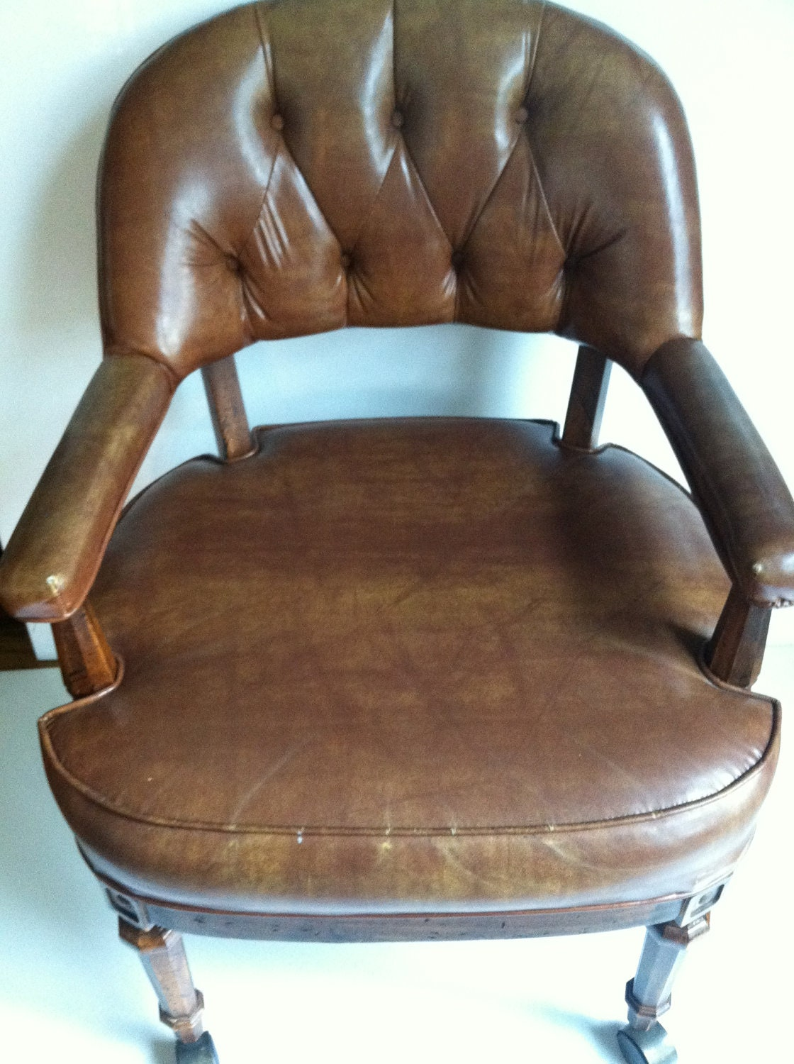 Vintage leather tufted chair 70s by tonitiques on etsy for Vintage 70s chair