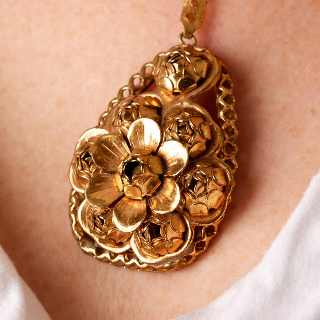 Vintage Ornate Gold Tone Floral Pendant - TwiceBakedVintage