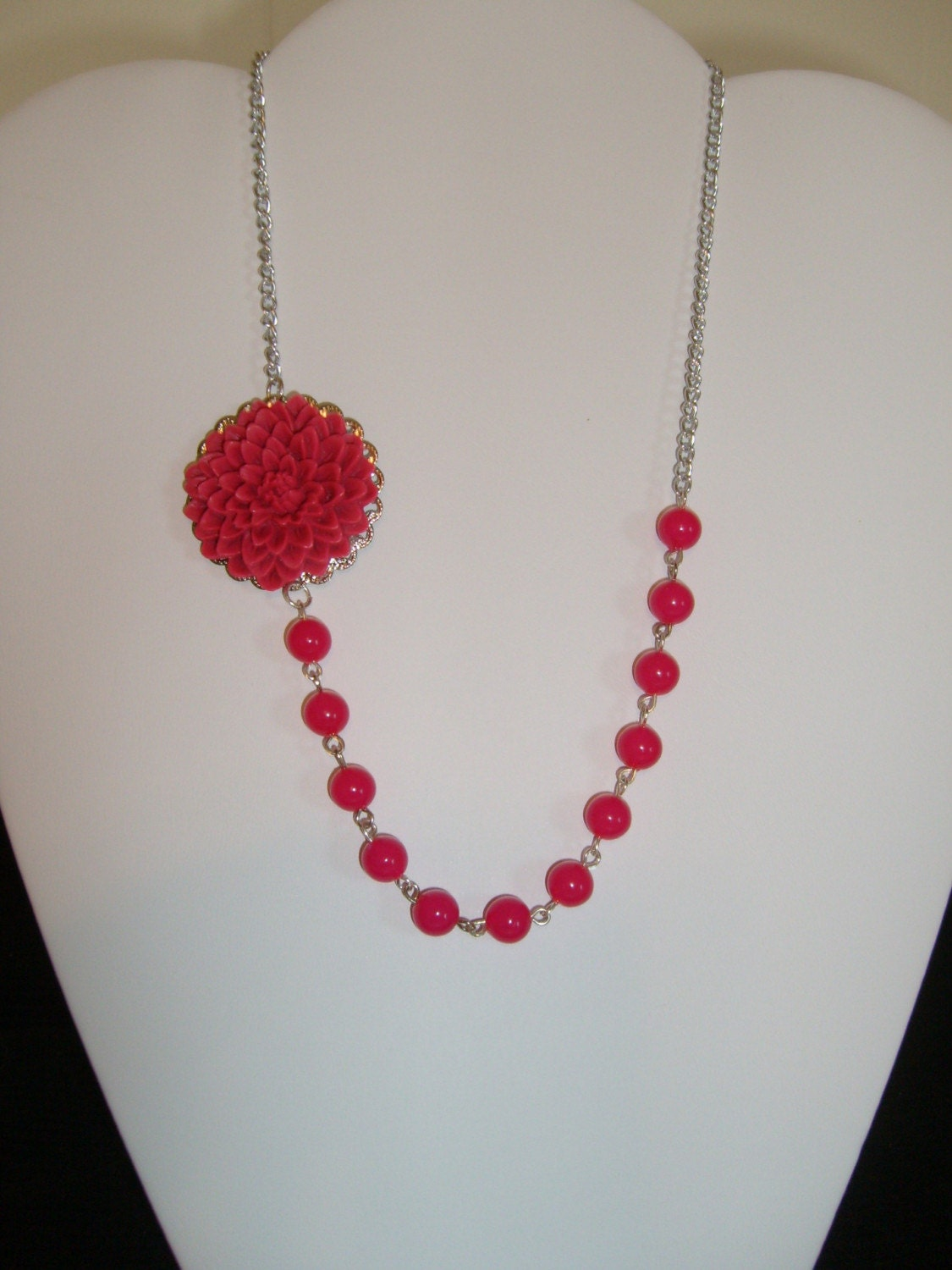 Fuchsia Rosary-Style Necklace with Fuchsia 32mm Chrysanthemum