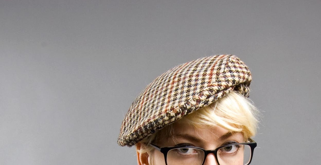 in the NEWS. 1960s houndstooth Braemarl PAPER BOY Flat Cap. Driving cap. A Saville Production. Great Britain