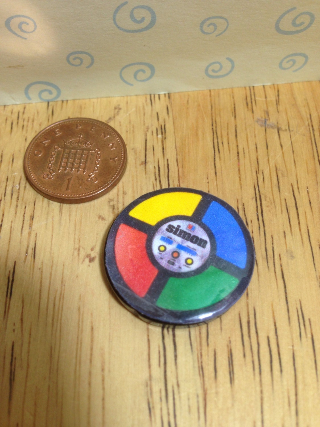 Hand made Dolls house Miniature replica electronic simon game 112 scale