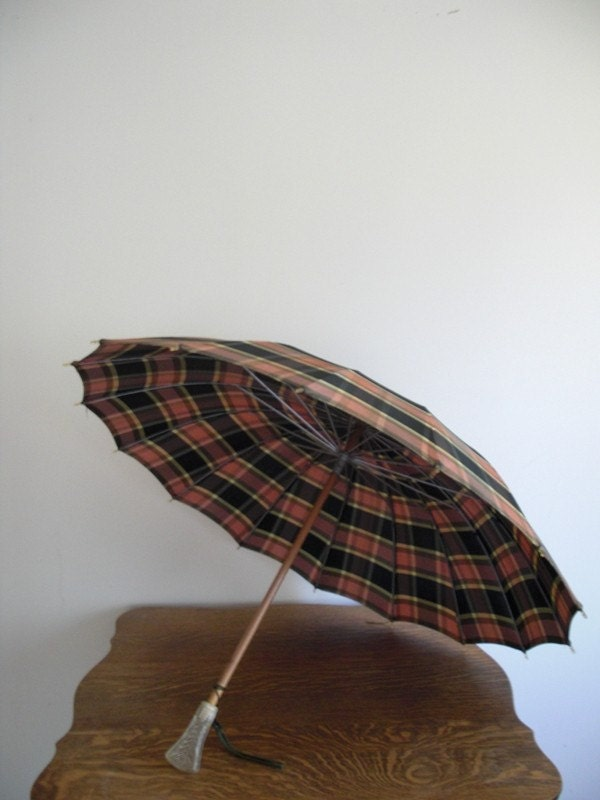 Vintage Plaid Umbrella w/ Lucite Handle in Mauve / Olive Green / Black