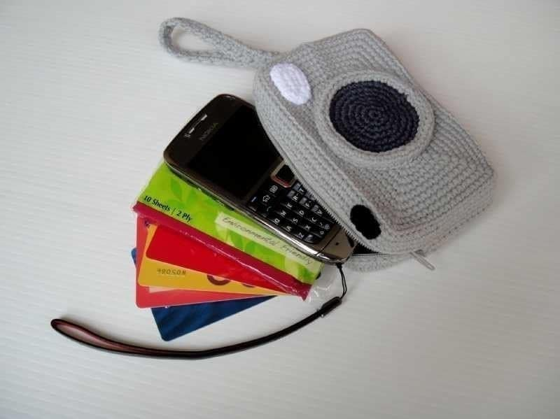 Crochet Pattern - CAMERA PURSE - For cell phone / money / others - PDF