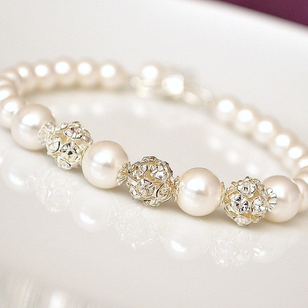 Bracelet, Bridal Wedding. Winter White Pearl and Rhinestone Ball Simple Single Stranded Sleek Modern  Glamour Sparkle Custom Handmade Beaded Jewellery for the Bride or your Bridesmaids Gifts