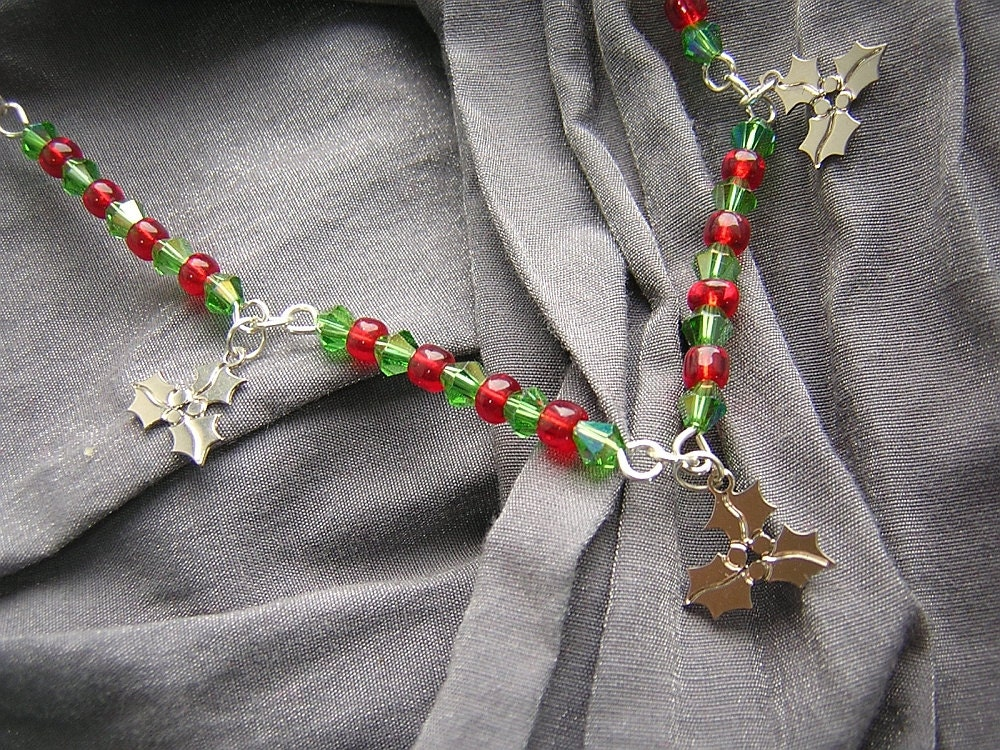 Red, Green and Silver Holly Necklace N-00278