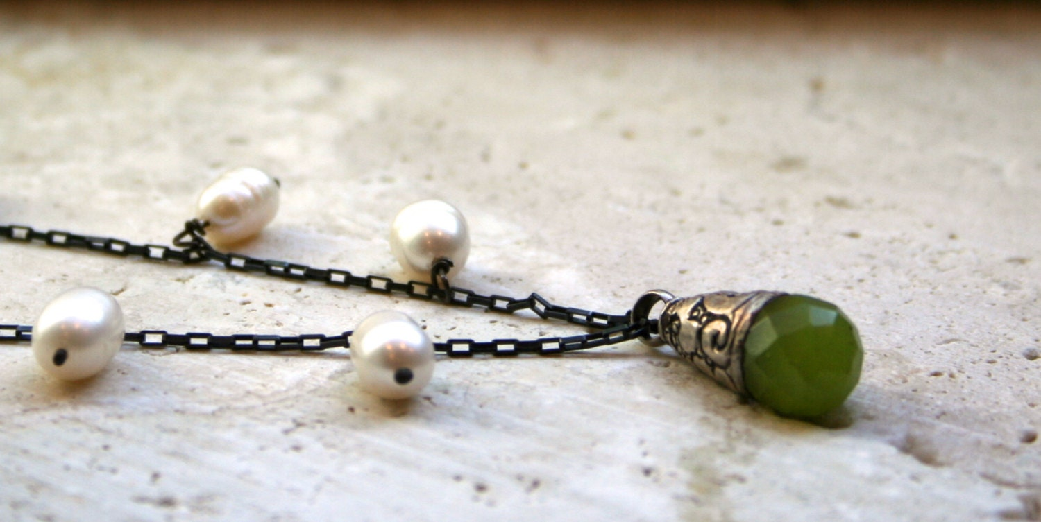Green Quartz Necklace / Earthy Rustic Necklace / Chain Necklace / Freshwater Pearl Necklace / Pendant Necklace - MissieRabdau