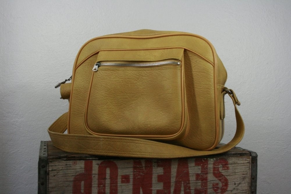 Vintage 1970s mustard yellow AMERICAN TOURISTER travel bag