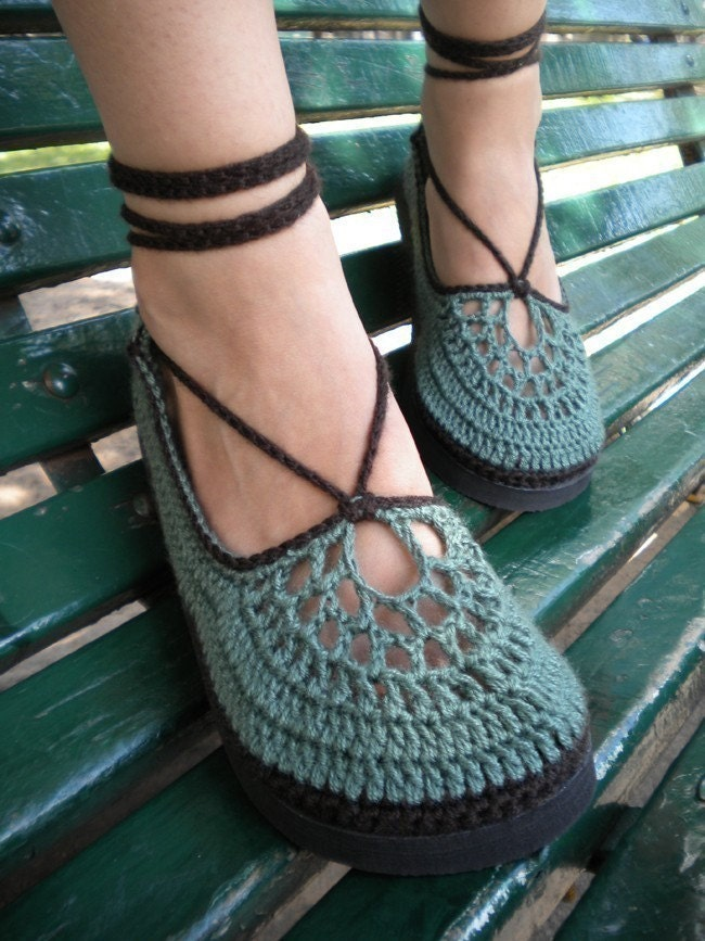 il 170x135.170860153 Crochet Treasury: Sexy Shoes from Etsy