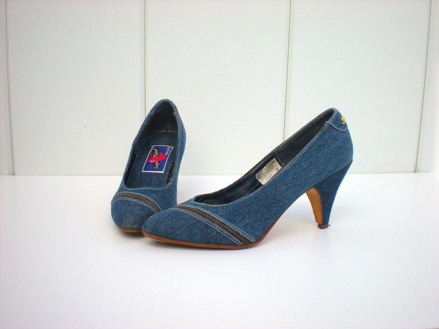 Adorable Denim and Zipper Heels--size7