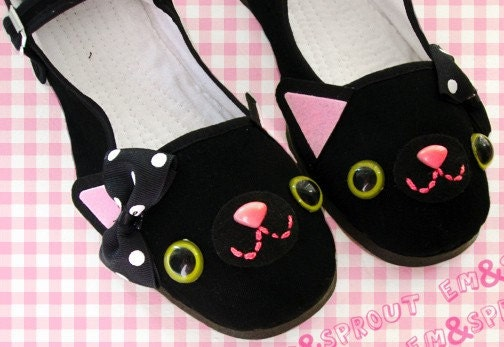 Happy Kitty Mary Jane Shoes - size 5