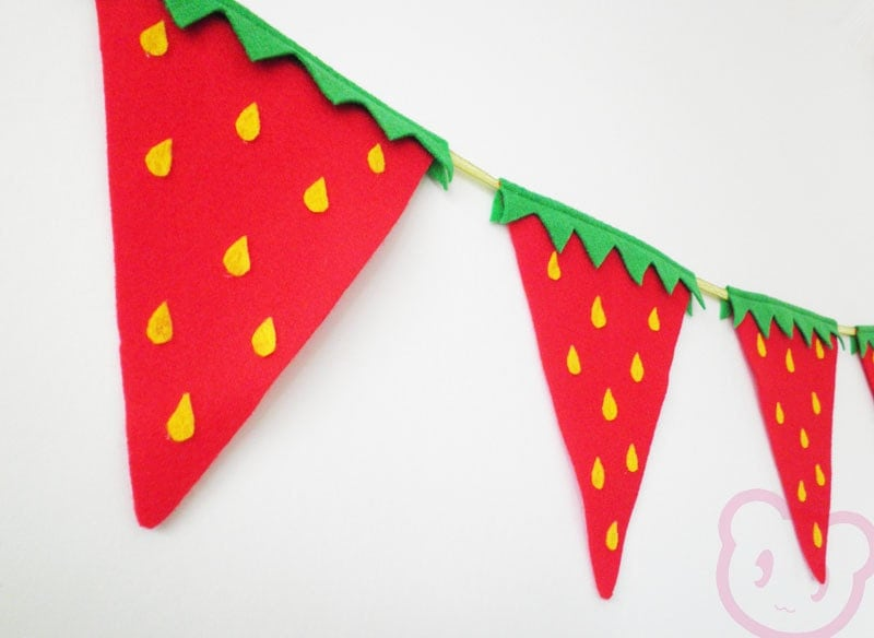 Strawberry Bunting Summer Party Flags. Red felt strawberry fun bunting. - HandmadeCuddlesShop
