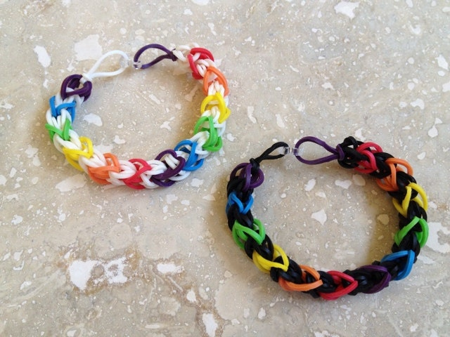 Rainbow Loom Patterns Diamond Items similar to Rainb...