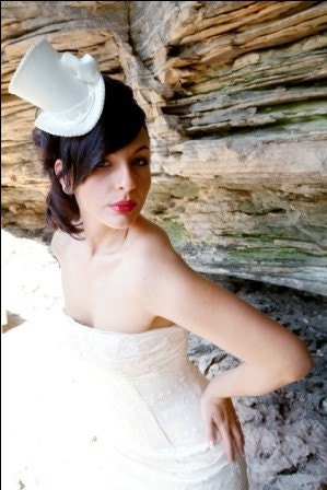 Ivory Bridal Mini Top Hat