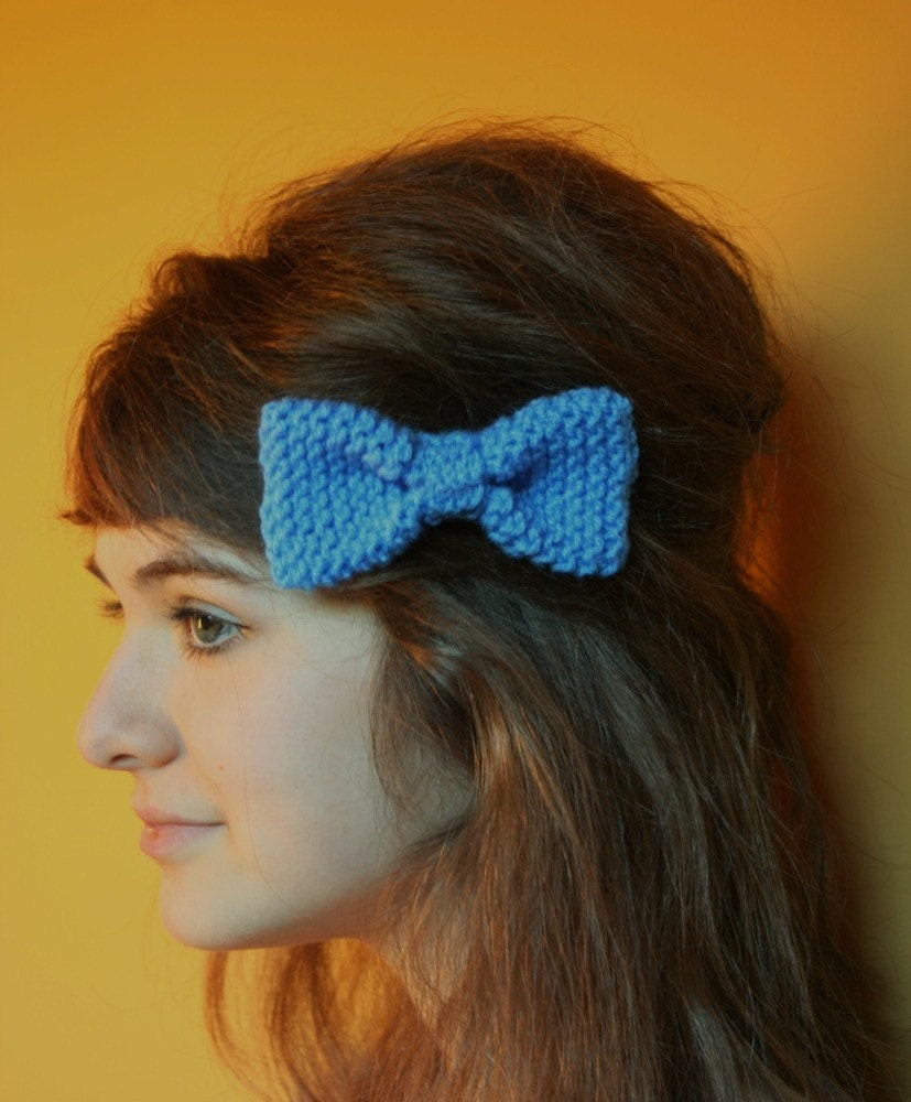 Handknitted blue hair bow or brooch