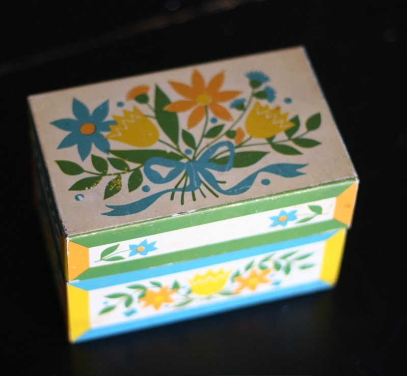 Sweet Vintage Tin Recipe Box