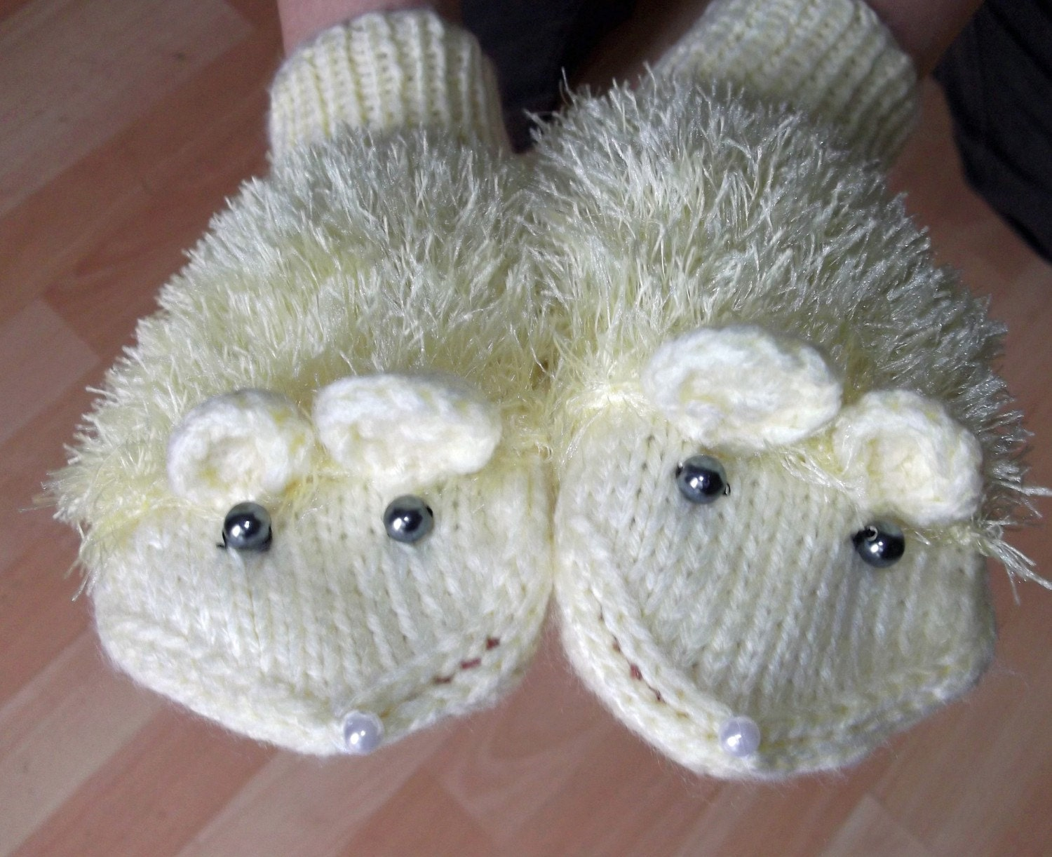 Cute Mouse Mittens. Free Shipping.