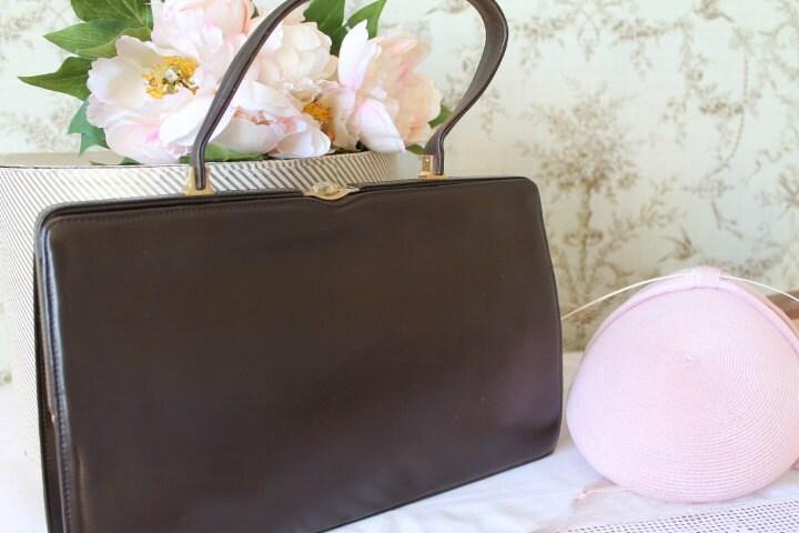 Vintage 1950s Brown Leather HandbagLeather Pocket BookQuality Handbag SALE (Ref10538)
