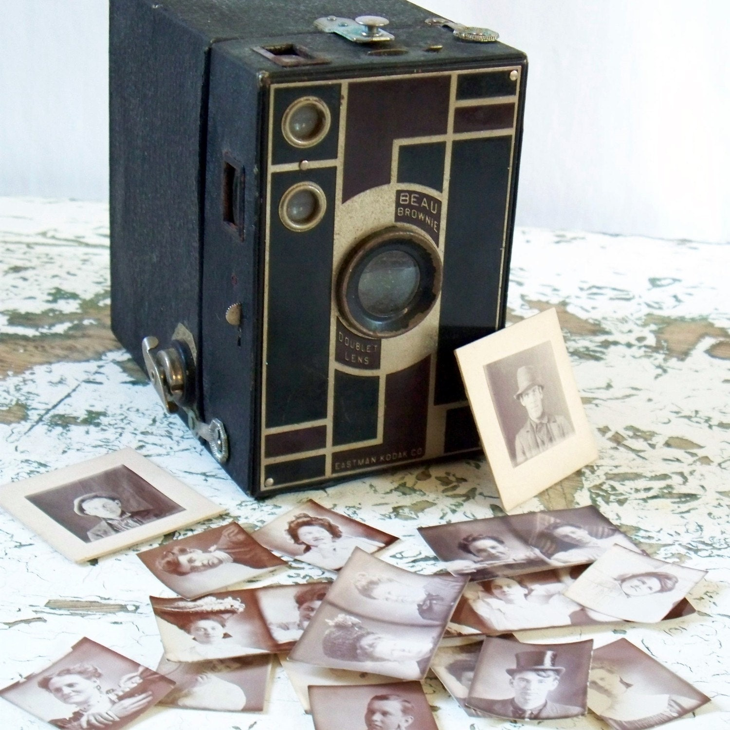 Vintage Beau Brownie Box Camera